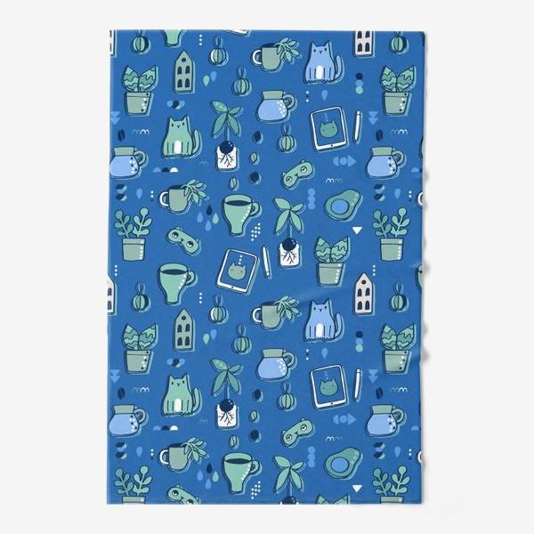 Полотенце «Мне уютно. Синий паттерн с котом, кофе, цветами.»