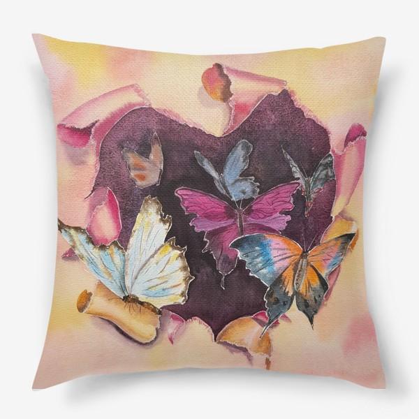 Подушка «Бабочки в сердце»