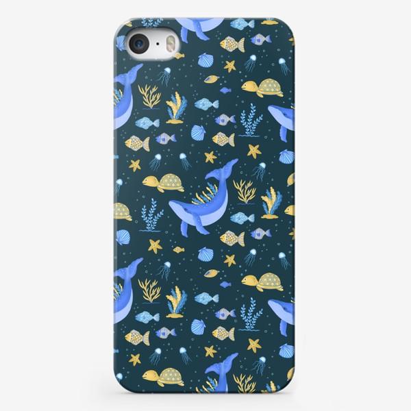 Чехол iPhone «Подводный мир/Киты, черепашки, рыбки»