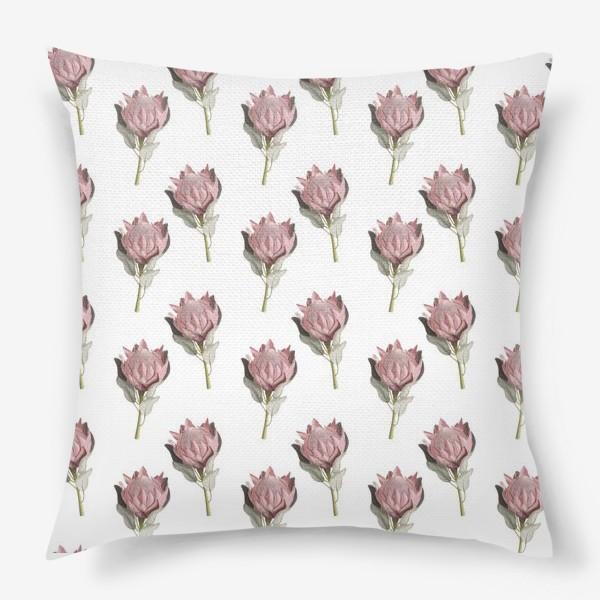 Подушка «Паттерн с цветами протеи»