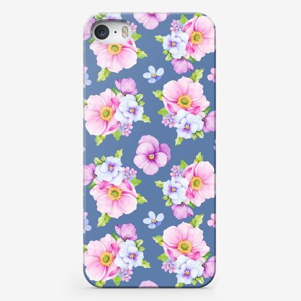 Чехол iPhone «Цветочный принт на синем фоне»