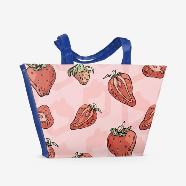 Пляжная сумка «Клубничный паттерн с розовыми тенями»