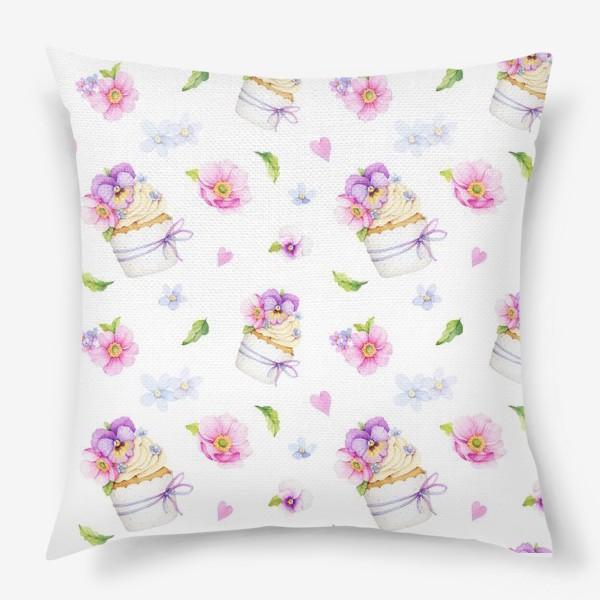 Подушка «капкейк с цветами»