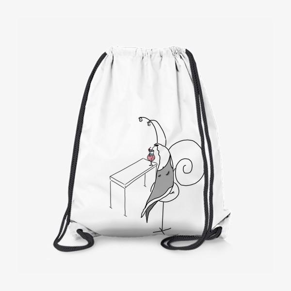 Рюкзак «Улитка-дама в баре. Сидит в пол-оборота »
