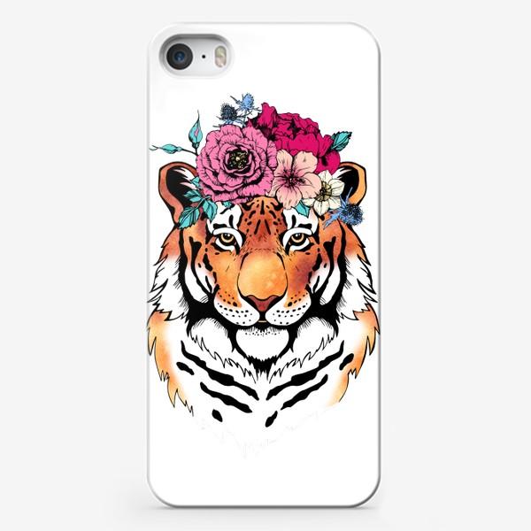 Чехол iPhone «Тигрица в цветочном венке»