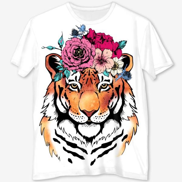 Футболка с полной запечаткой «Тигрица в цветочном венке»