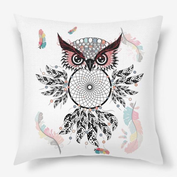 Подушка «Сова ловец снов с черно-белыми перьями»