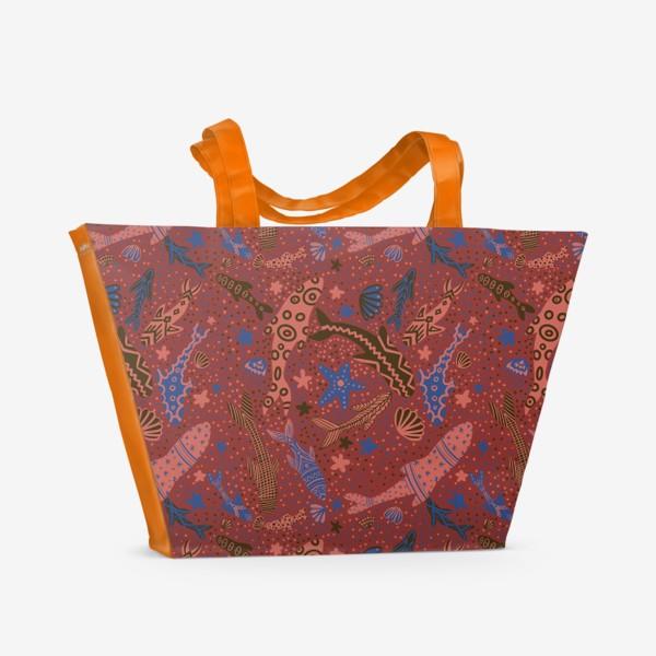 Пляжная сумка «Море рыбы на красном »