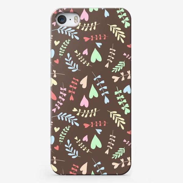 Чехол iPhone «Разноцветные сердца»