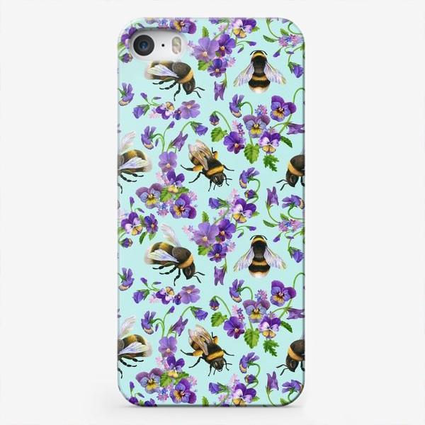 Чехол iPhone «Шмели и фиалки на бирюзовом фоне»