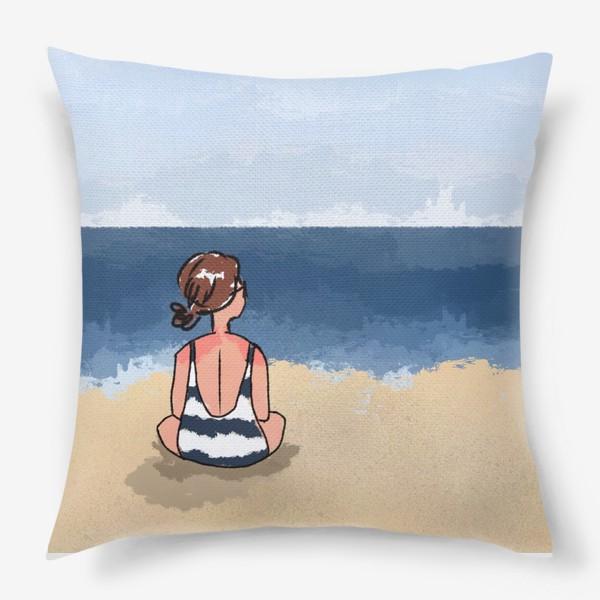 Подушка «На море отдых бархатный сезон девушка на песке пляж»