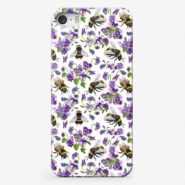 Чехол iPhone «Шмели, пчёлы, насекомые, фиалки, виолы, анютины глазки, белый фон»