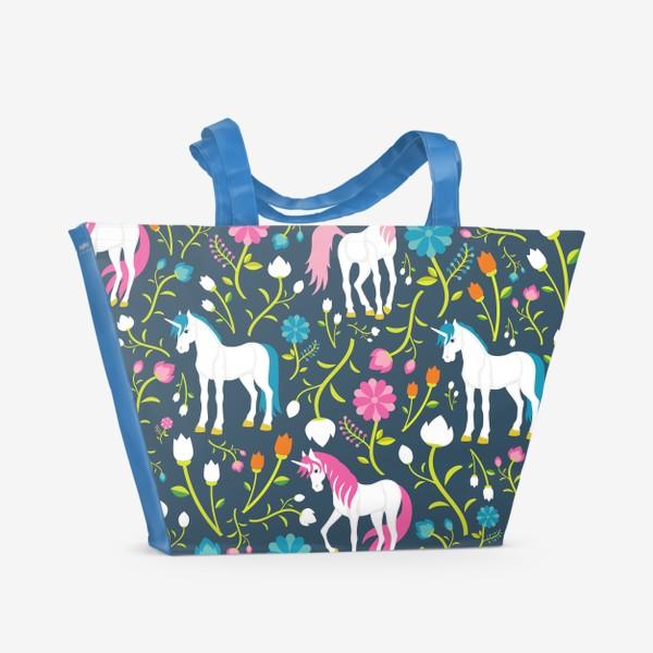 Пляжная сумка «Разноцветные единороги и цветы»