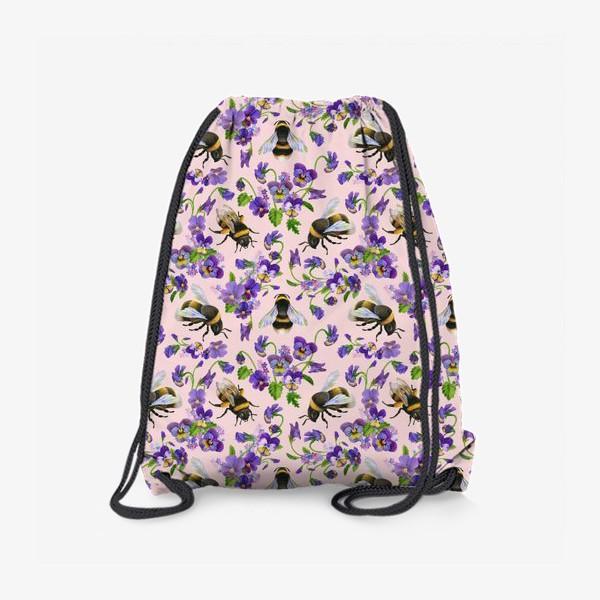 Рюкзак «Шмели, пчёлы, насекомые, фиалки, виолы, анютины глазки, розовый фон»