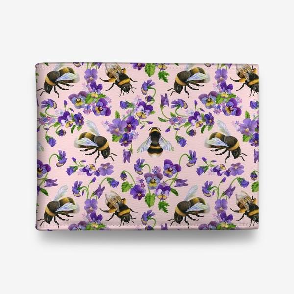 Кошелек «Шмели, пчёлы, насекомые, фиалки, виолы, анютины глазки, розовый фон»