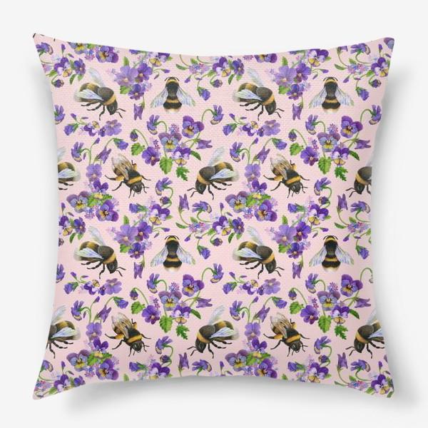 Подушка «Шмели, пчёлы, насекомые, фиалки, виолы, анютины глазки, розовый фон»