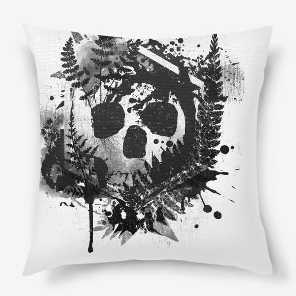 Подушка «Fern and Skull»