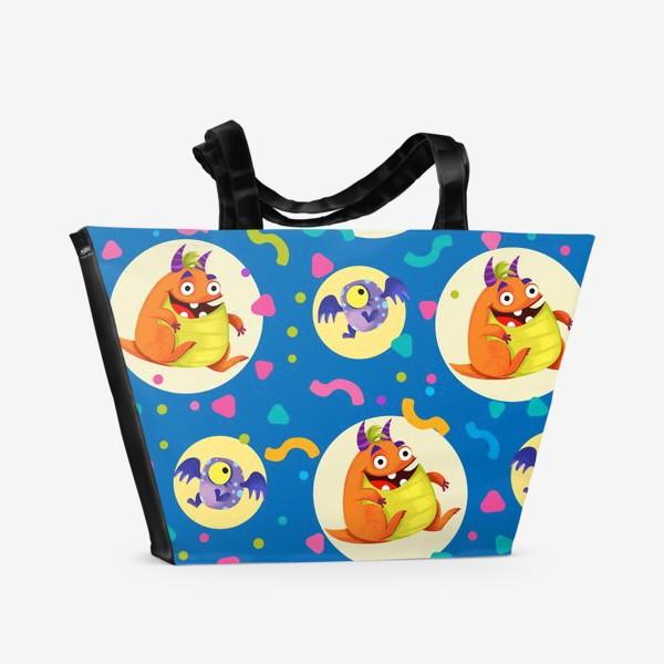 Пляжная сумка «Бесшовный паттерн с веселыми оранжевыми монстрами»