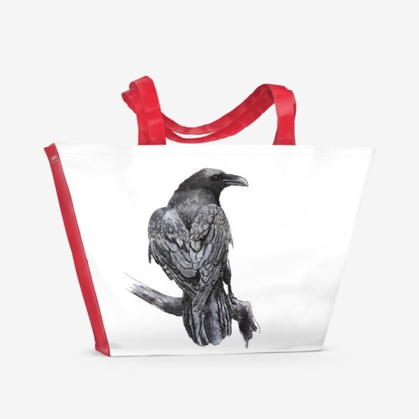Пляжная сумка «Черный ворон сидит на ветке»