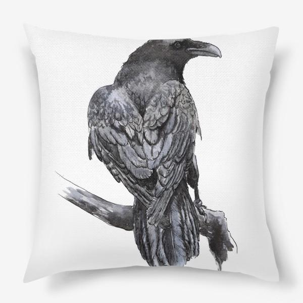 Подушка «Черный ворон сидит на ветке»
