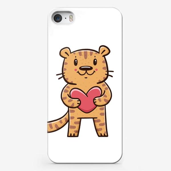 Чехол iPhone «Милый тигрёнок с сердечком. Новый год 2022. Год тигра»