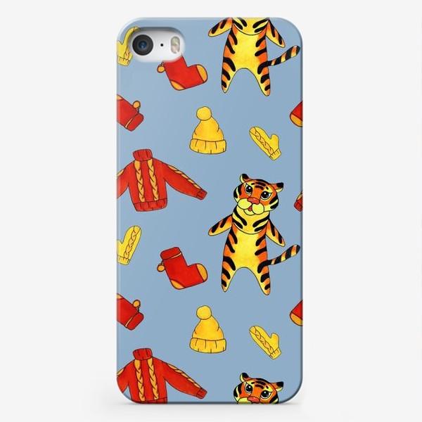 Чехол iPhone «Модный тигрёнок на голубом фоне»