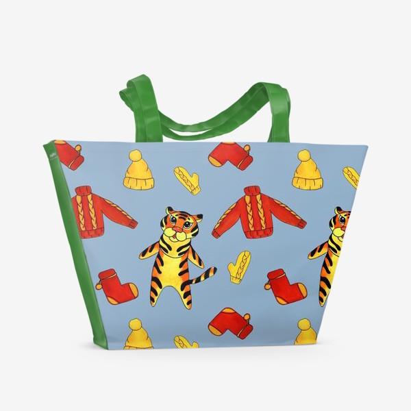 Пляжная сумка «Модный тигрёнок на голубом фоне»