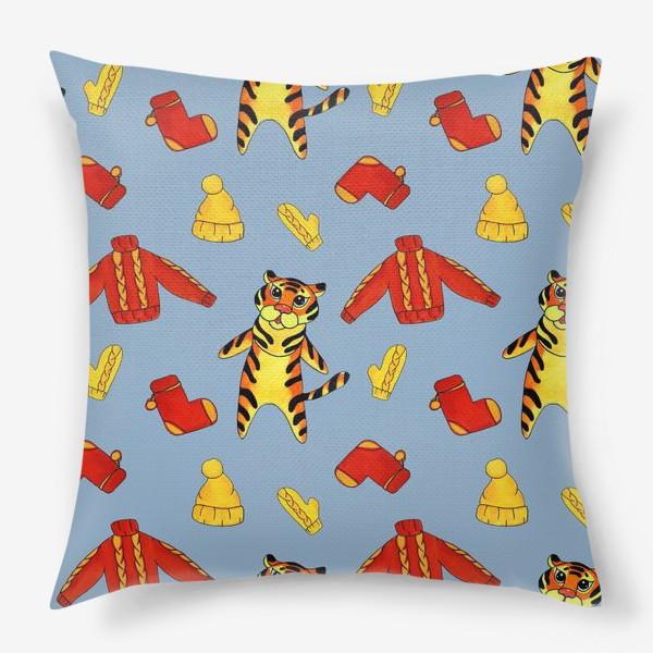 Подушка «Модный тигрёнок на голубом фоне»