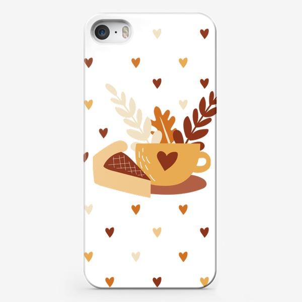 Чехол iPhone «Чай с пирогом - осеннее уютное настроение. Чашка чая и сердечки»
