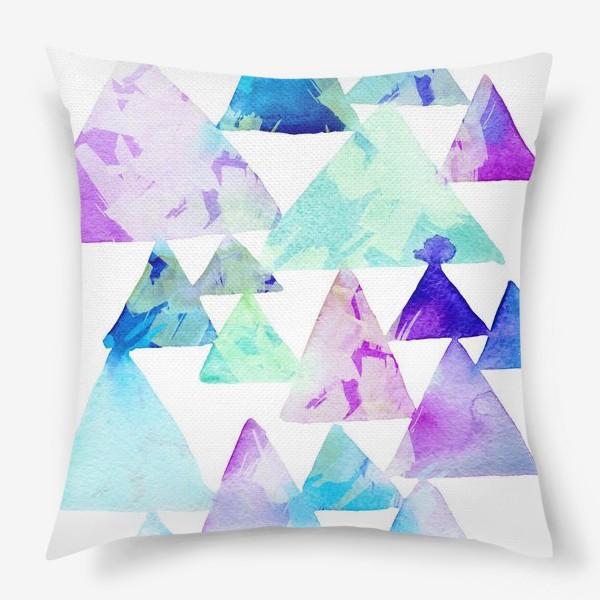 Подушка «Акварельные треугольники»