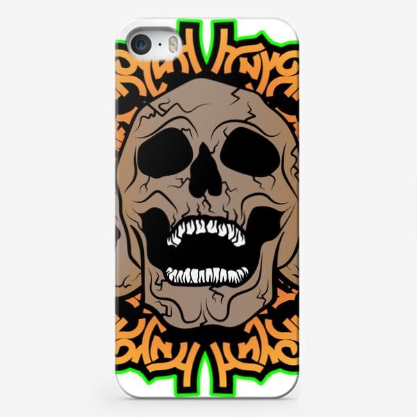 Чехол iPhone «Хэллоуин и черепки»