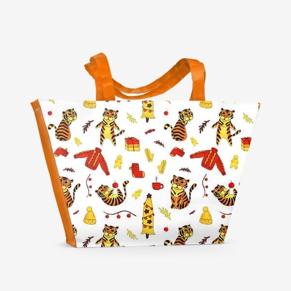 Пляжная сумка «Новогодние тигры 2022 на белом фоне»