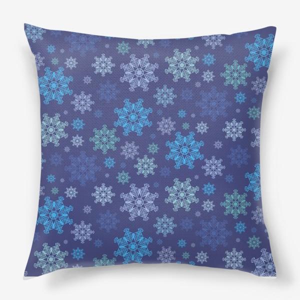 Подушка «Летящие снежинки ( Flying snowflakes )»