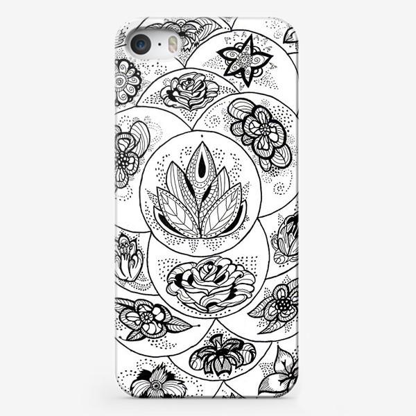 Чехол iPhone «Цветы в черно-белом»