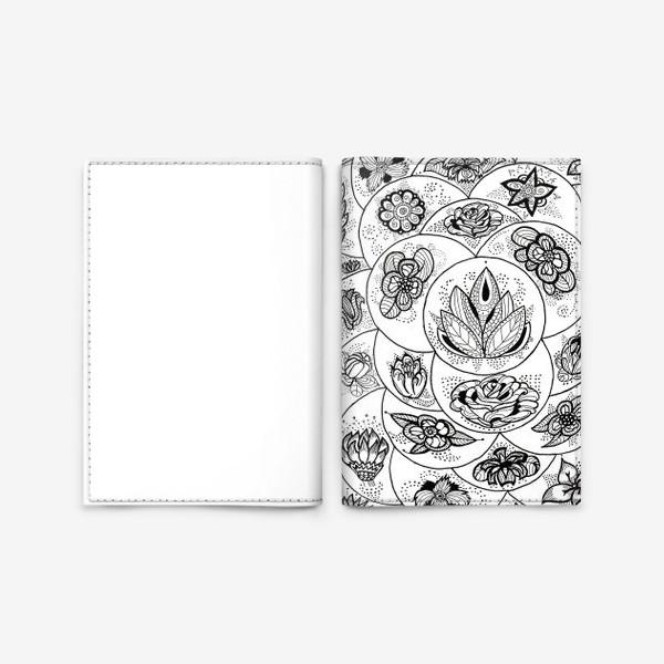 Обложка для паспорта «Цветы в черно-белом»