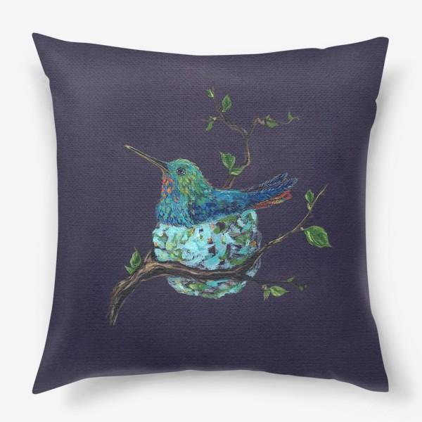 Подушка «колибри в гнездышке»