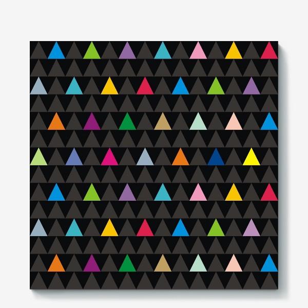 Холст «Цветные треугольники на черном фоне»