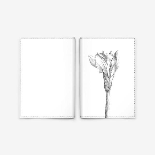 Обложка для паспорта «Почти раскрывшийся цветок»