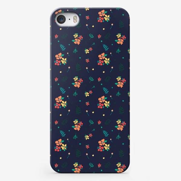 Чехол iPhone «Цветы на синем»