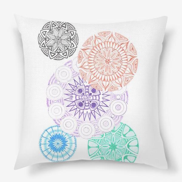 Подушка «Сферические узоры»