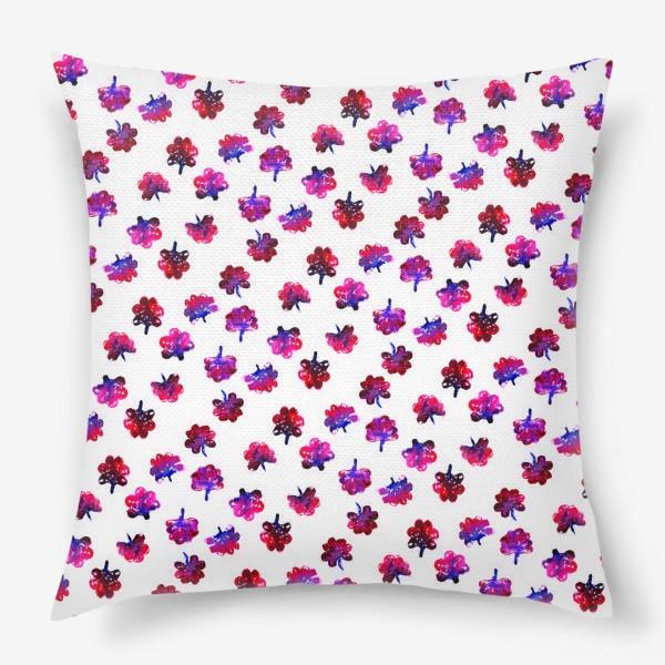 Подушка «Красные цветочки»