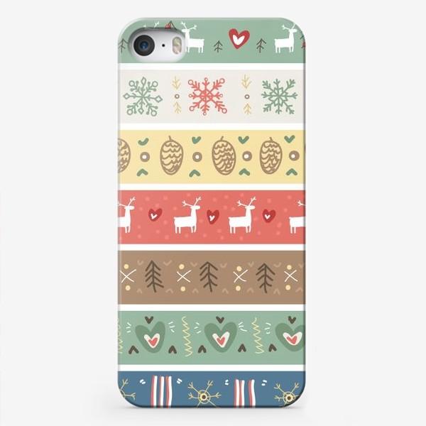 Чехол iPhone «Рождественский орнамент с оленями, шишками, елками и сердечками.»