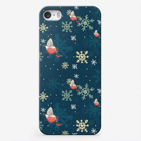 Чехол iPhone «Рождественский узор со снежинками и птичками»