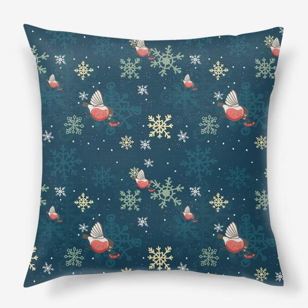 Подушка «Рождественский узор со снежинками и птичками»