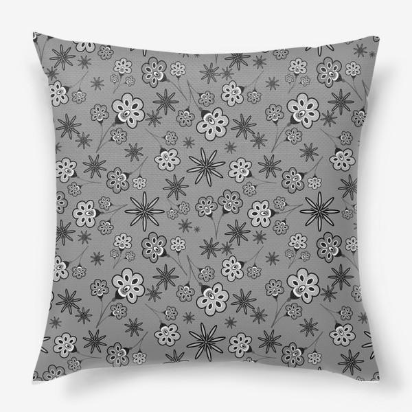 Подушка «Черно-белый паттерн с цветами.»