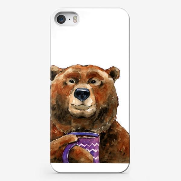 Чехол iPhone «Медведь пьет чай»