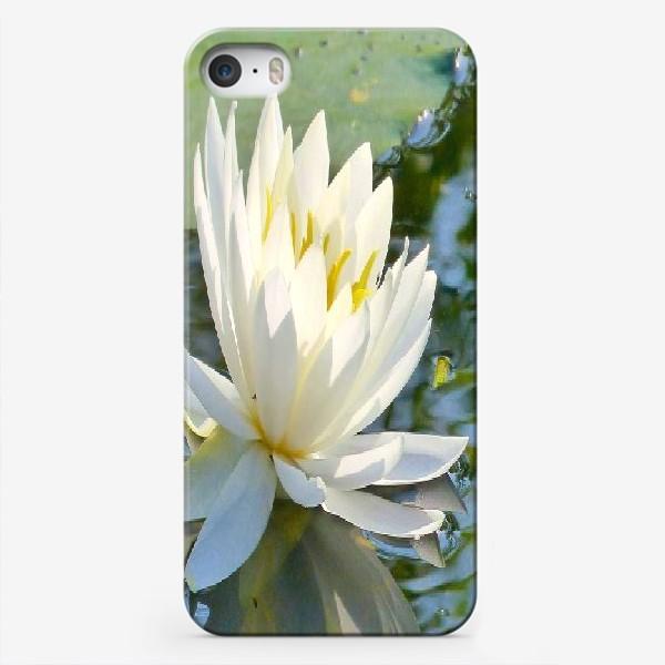 Чехол iPhone «Белый лотос на воде»