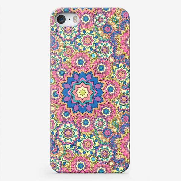 Чехол iPhone «Цветочный орнамент»