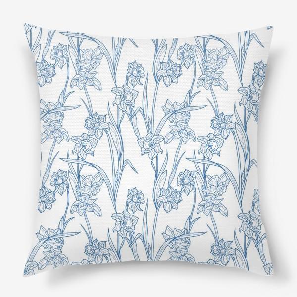 Подушка «Паттерн с нарциссами в бело-голубом»