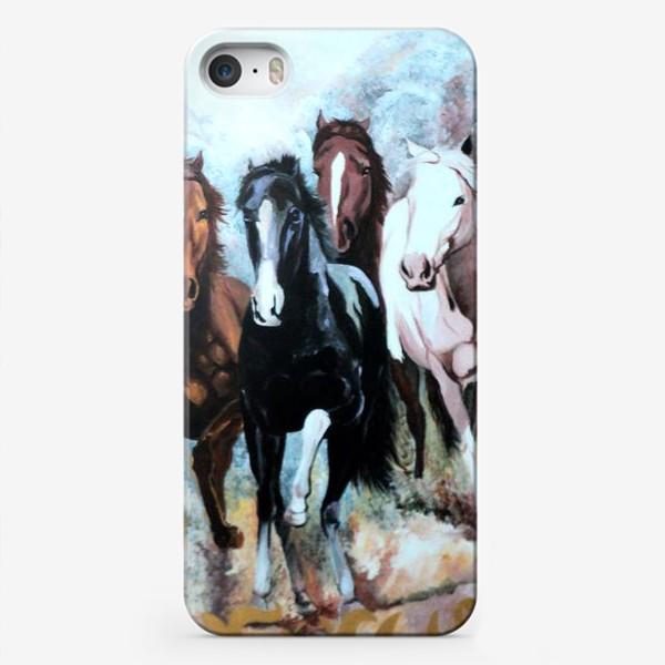 Чехол iPhone «Табун лошадей»